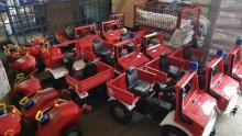 10 Fahrzeuge stehen für unsere kleinen Gäste am Feuerwehrfest bereit. (c) T. Unger